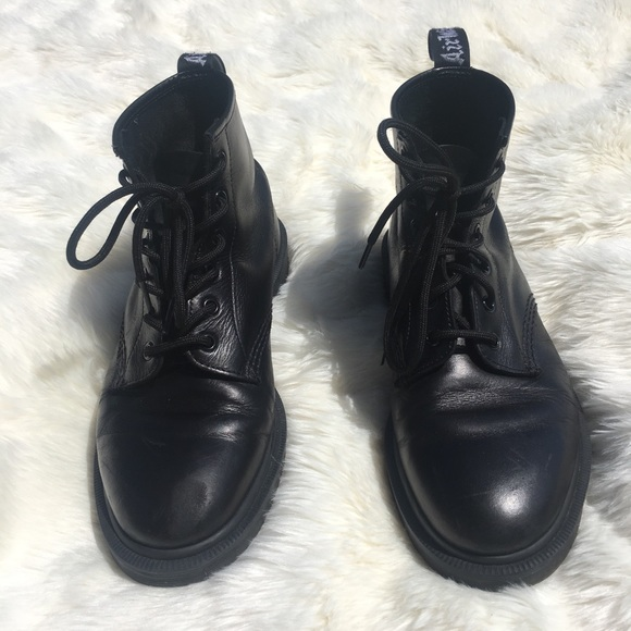 dr martens 101 6 eye leather boots in black